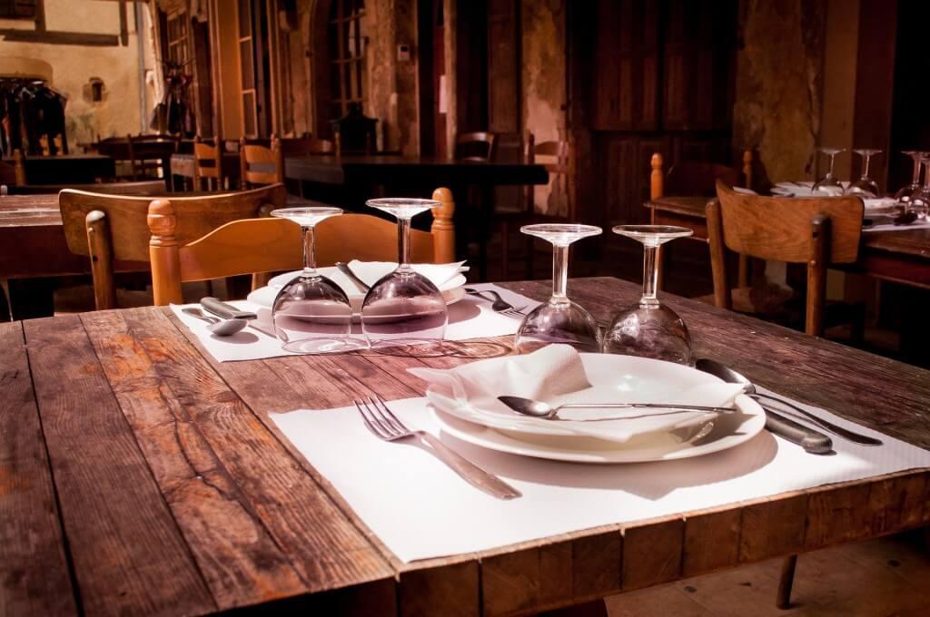 restaurant-738788_1920